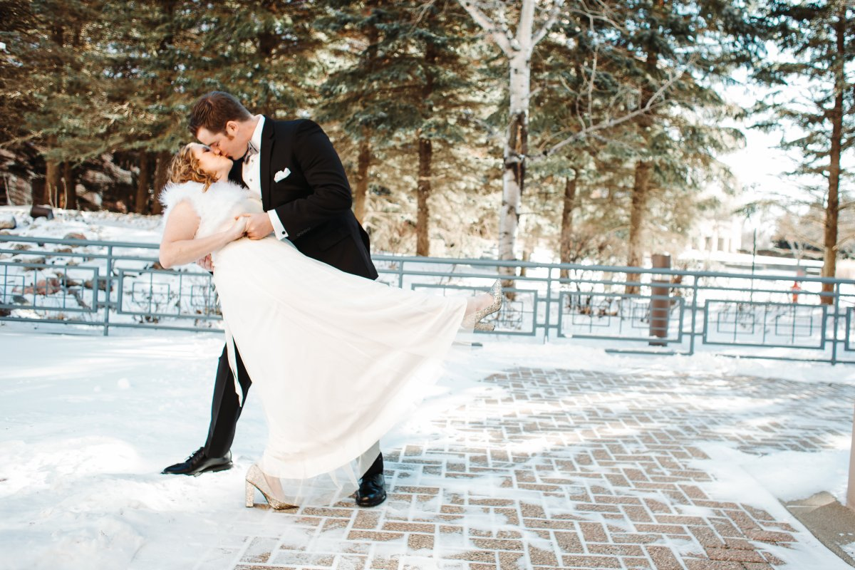 10 Reasons to Have a WinterWedding